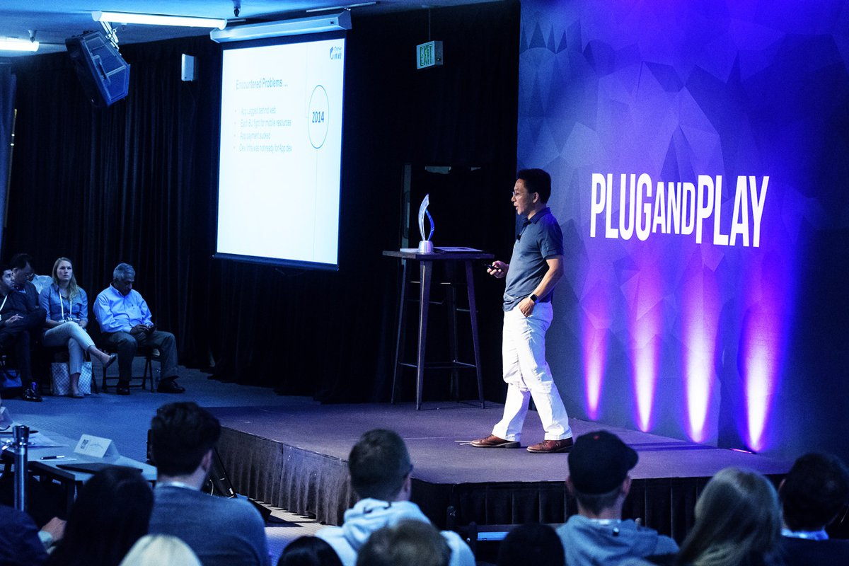 Plug And Play Summer Summit.2e16d0ba.fill 1200x800